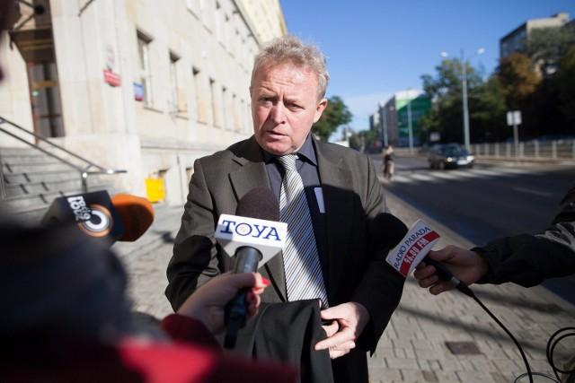 Ten proces nie ma swego odpowiednika w najnowszej historii wymiaru sprawiedliwości - mówił we wtorek Janusz Wojciechowski, obrońca b. prezesa MPO.