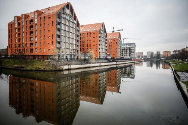 Sprzedażowa prosperity mieszkań z pierwszej ręki nie tylko wciąż ma się bardzo dobrze, ale wręcz przybiera na sile pomimo już blisko 4-letniej swojej historii.