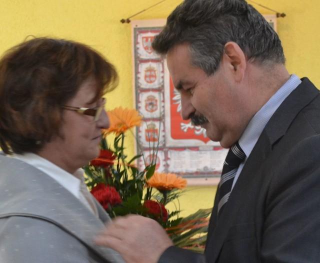 Joanna Zawiślak-Mendaluk podziękowała w środę w imieniu rady Leszkowi Sikorze za dotychczasową współpracę.