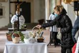 Kraków. Kolejne święta w cieniu pandemii. Jedni Wielkanoc obchodzą tradycyjnie, inni przechodzą na online