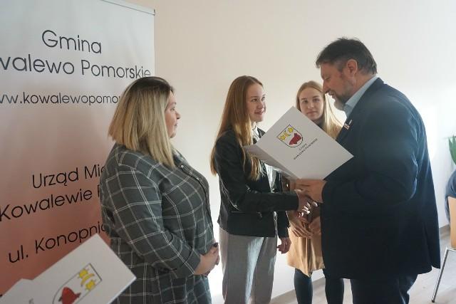Wręczenie stypendiów i nagród w gminie Kowalewo Pomorskie
