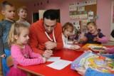 Studenci z Brazylii i Azerbejdżanu prowadzą zajęcia w brzeskich przedszkolach