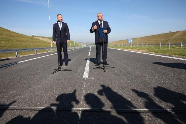 """""""Wszyscy zapomnimy o zatorach w Słomnikach, a mieszkańcy będą mogli cieszyć się spokojnym życiem, bo ta droga będzie pełnić funkcję obwodnicy"""" - zaznaczał minister infrastruktury Andrzej Adamczyk."""