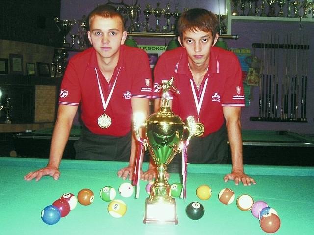 Krystian i Konrad Piekarscy z zawodów w Kielcach wrócili z tytułem wicemistrzów Polski Par Klubowych