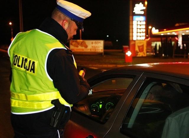 """Akcja """"Trzeźwy Andrzej"""". Policjanci sprawdzali trzeźwość kierowców w zachodniopomorskim."""