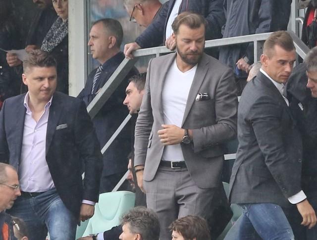 W sobotę Marek Citko (z lewej) i Jakub Meresiński (z prawej) byli na meczu Korony. W niedzielę prowadzili rozmowy z zawodnikami.