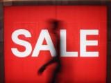 Gigantyczne wyprzedaże odzieży i obuwia w sklepach online: H&M, Mohito, Reserved. Sprawdź trwające wyprzedaże i okazje cenowe!