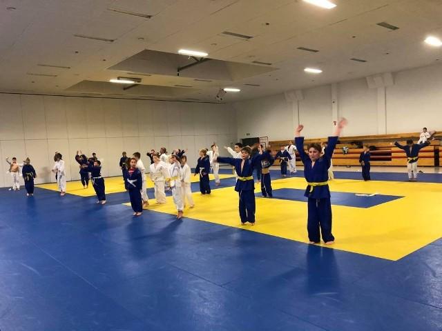 """Zawodnicy judo doskonalili formę w koszalińskim """"Samuraju"""""""