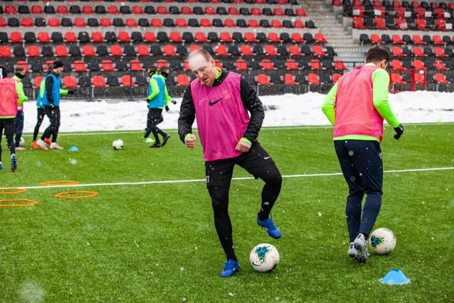 W Dubaju Piotr Madejski i jego koledzy z Wieczystej będą mieć lepsze warunki do treningu niż w Krakowie