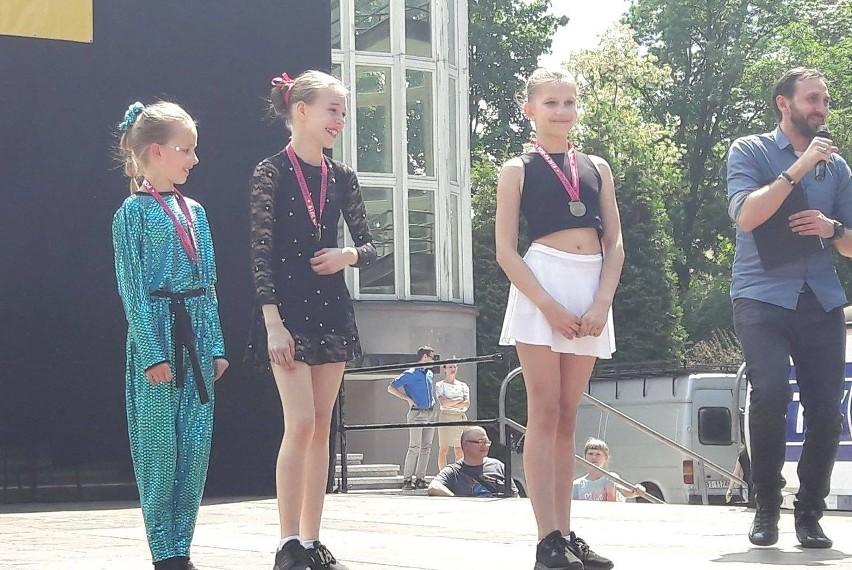 Cheerleaderki z zespołu Pasja wróciły z Białegostoku z...