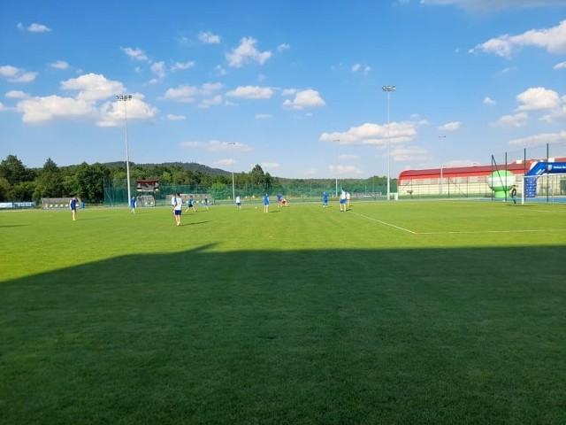 GKS Zio-Max Nowiny nie rozegrał meczu z Łysicą Bodzentyn. Goście nie przyjechali na to spotkanie.