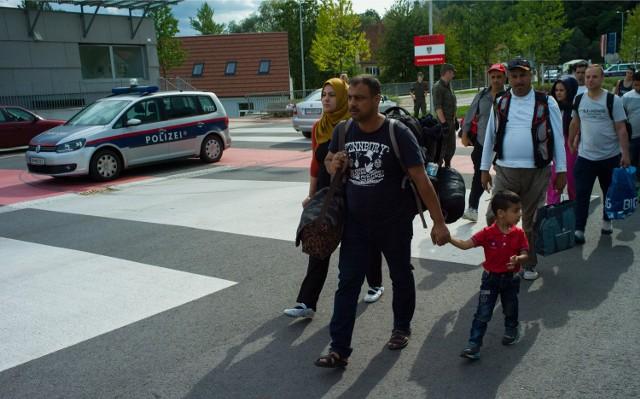 Uchodźcy na granicy z Austrią