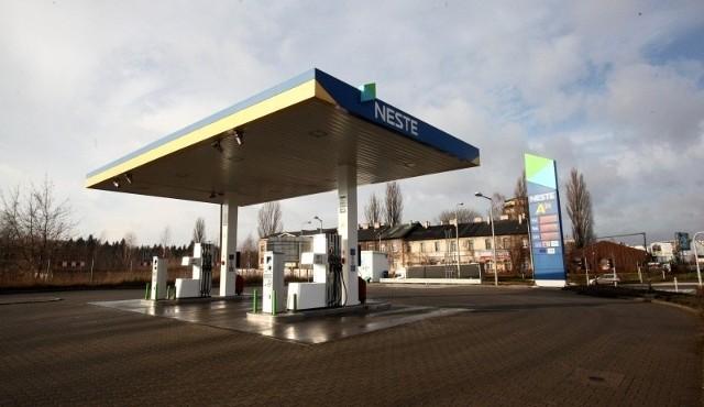 Zautomatyzowane stacje Neste zostaną przebudowane na klasyczne stacje ze sklepem i barem.