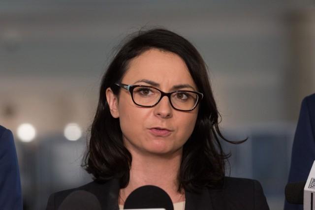 Koalicja Obywatelska chce odwołania Rzecznika Praw Dziecka: Gdy trzeba ścigać pedofilów w sutannach, to państwo PiS nagle staje się ociężałe