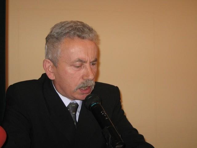 Czy Kazimierz Drozd powinien sam złożyć swój mandat?