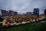 Ogromne serce z chryzantem dla Pawła Adamowicza! Wsparcie dla sprzedawców i piękny gest w 55. urodziny prezydenta