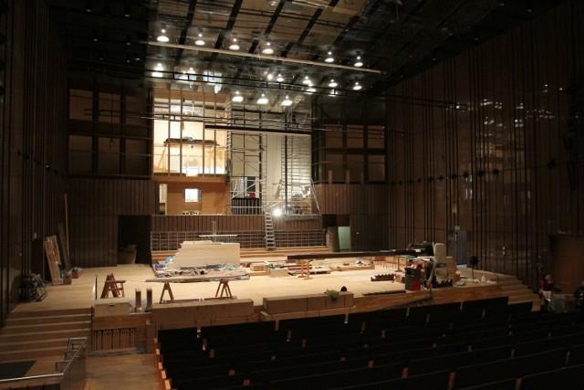 W Filharmonii Łódzkiej trwa montaż nowych organów
