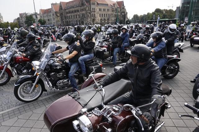 W sobotę przez Poznań przejedzie XII Parada Motocyklowa Solidarności. Tak wyglądało to wydarzenie w ubiegłym roku.