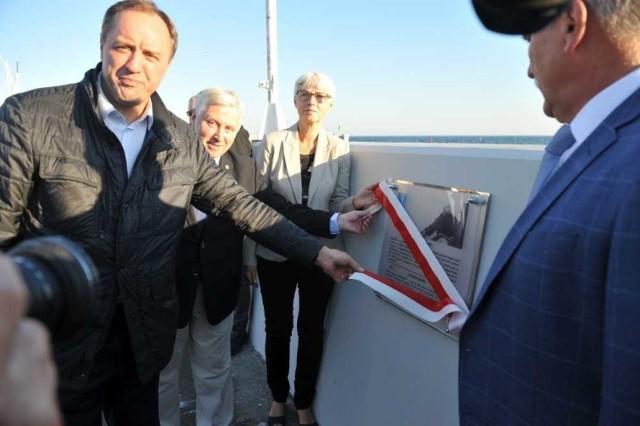 Odsłonięcie tablicy poświęconej żeglarzowi Tadeuszowi Siwcowi w gdyńskiej marinie