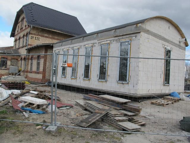 Prace przy remoncie i budowie Stacji Kultury rozpoczęły wiosną się w ubiegłym roku. Stacja Kultury Deszczno ma być gotowa już latem.