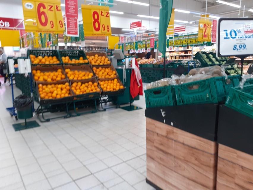 Sklep w Auchan w Mysłowicach przy ul. Katowickiej. Wiele...