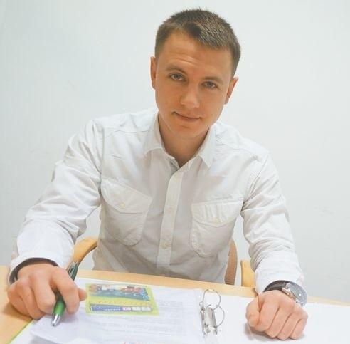 Na korepetycjach można zarobićNa początku reklamowaliśmy się. Teraz mamy coraz więcej uczniów z polecenia. To miłe, bo oznacza, że dobrze prowadzimy zajęcia – mówi Jakub Dąbrowa, szef Szkoły Matematyki 2plus2.