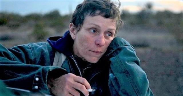 """""""Nomadland"""": Frances McDormand jako Fern. Za rolę zdobyła Oscara"""