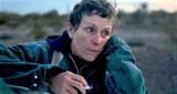 """Oscary 2021. """"Nomadland"""": Weź kamień na drogę. I ruszaj. Przecież życie czeka"""