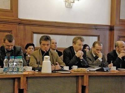 Samorządowcy rozmawiali o zamiarach likwidacji Komendy Powiatowej Policji Fot. Magdalena Uchto