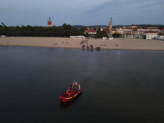 Sopoccy ratownicy szukali zaginionego dronem z kamerą termowizyjną