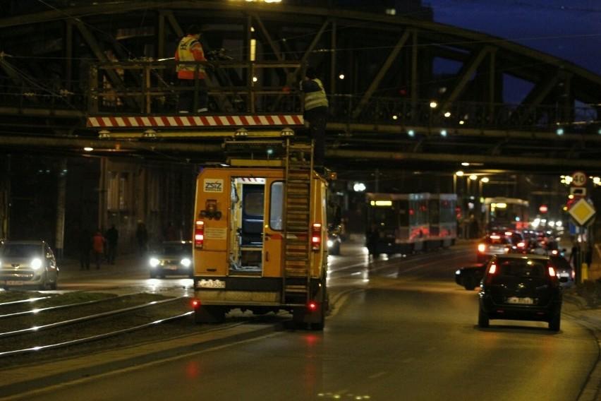 Wrocław: Zerwana trakcja. Ulicą Grabiszyńską nie jeździły tramwaje [ZDJĘCIA]