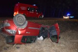 Groźny wypadek pod Polickiem. Pasażerka trafiła do szpitala. Kierowca stanie przed sądem, a auto wyląduje na złomowisku