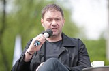 """Tomasz Karolak uwodzi kobiety na... swój wygląd """"miśka"""""""