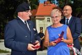 ŻAGAŃ. Obchody Święta Wojska Polskiego. Msza św., kwiaty na Placu Generała Maczka, odznaczenia