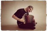 Mirek, czyli człowiek orkiestra. Zagra dosłownie na wszystkim