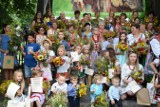 Najpiękniejsze bukiety od gospodyń i dzieci dla Matki Boskiej Zielnej. Konkurs kompozycji i wiązanek w Zielonkach [ZDJĘCIA]