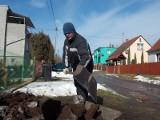 Budowa kanalizacji w żarskich dzielnicach Kunice oraz Zatorze IV. Kilka ulic pominięto