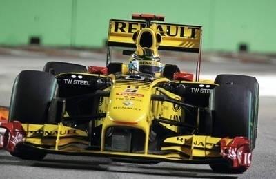 Robert Kubica (Renault F1 Team) na torze w Singapurze Fot. PAP/EPA/DIEGO AZUL