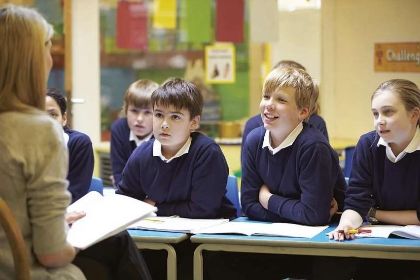 Pensje nauczycieli wzrosły 1 września 2020 roku. I wyglądają...
