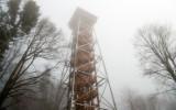 Trudne warunki w Bieszczadach. Zamknięta wieża widokowa na Jeleniowatym i część szlaku na Bukowe Berdo