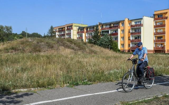 """Pierwsze przed sądem administracyjnym """"poległ"""" teren przy ul. Twardzickiego, gdzie deweloper zaplanował """"mieszkaniówkę""""."""