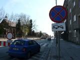 Ulica Warszawska zamknięta, ale kierowcy i tak nią jeżdżą. Wielu zawraca ZDJĘCIA