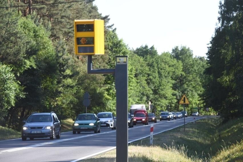 Na trzech skrzyżowaniach w Łodzi staną fotoradary wyłapujące...