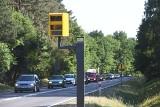 W Łodzi staną fotoradary na kierowców ignorujących czerwone światło. Gdzie?