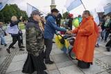 Pielgrzymi z Łodzi dotarli do Częstochowy. U stóp Jasnej Góry odbyły się oświadczyny