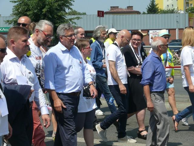 W manifestacji uczestniczył między innymi były prezydent Bronisław Komorowski.