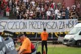 """""""Szczecin przeprasza za Misiło"""". Transparent na meczu Pogoń Szczecin - Arka Gdynia"""