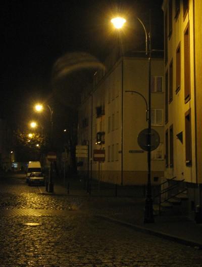 Oświetleniem ulic w Koszalinie steruje zegar astronomiczny.