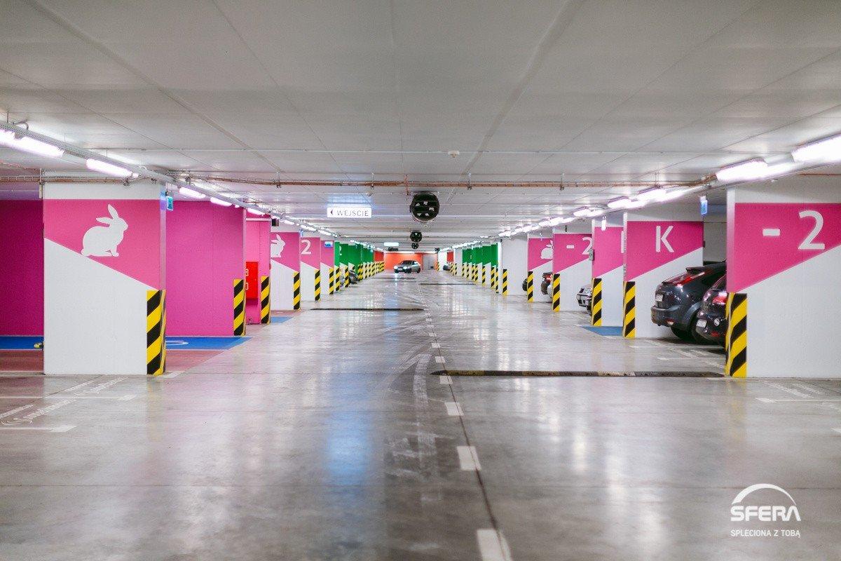 f435663db2 Galeria Sfera w Bielsku-Białej wprowadza opłaty za parking podziemny ...