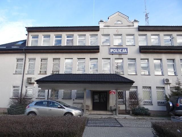 W ramach modernizacji budynek Komendy Powiatowej  Policji w Sandomierzu zyska między innymi nową elewację i dach.